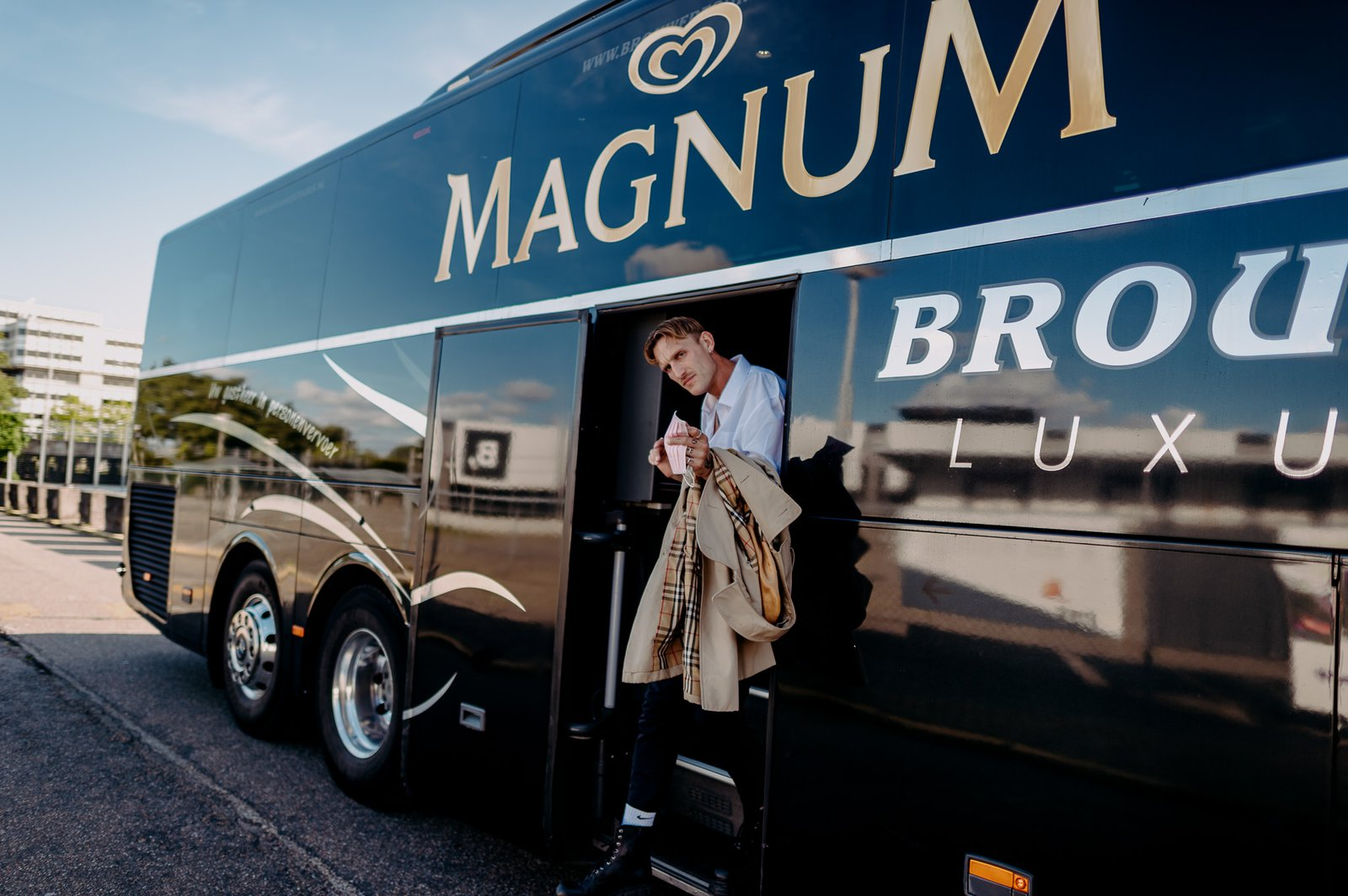 Magic Milkshake Soiree Magnum-bus